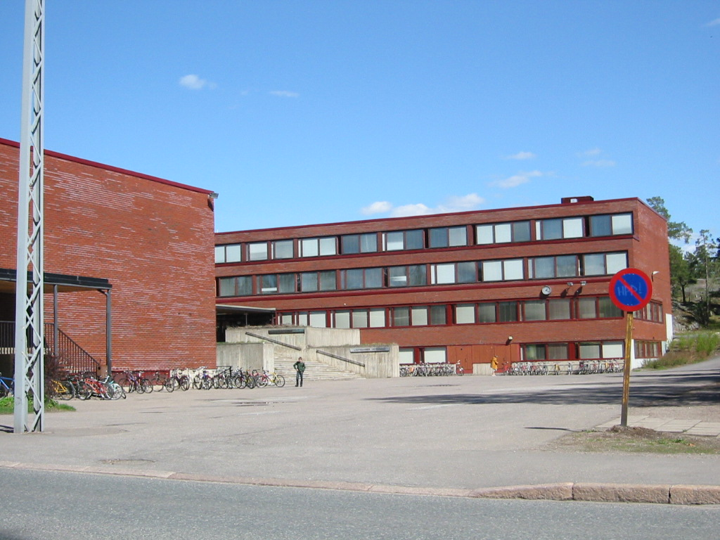 lauttasaari lukio