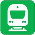 Lähijuna. Kuvassa on juna kuvattuna edestäpäin. Junan runko on valkoinen. Runkoon on kuvattu ohjaamon etuikkuna ja -valot. Alapuolella on kiskot. Vihreä tausta.