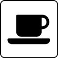 Kahvila. Kuvassa on korvallinen kahvikuppi ja asetti. Valkoinen tausta.