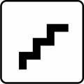 Portaat. Kuvassa on viiden porrasaskelman portaat kuvattuna sivustapäin. Valkoinen tausta.