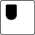 Esteetön wc, yksipuolisesti käytettävä: oikea. Kuvassa wc-tila on kuvattuna ylhäältä päin ja wc-istuin on sijoitettu vasempaan yläkulmaan. Valkoinen tausta. Symbolilla osoitetaan vapaa tila yksipuolisesti käytettävässä wc:ssä.