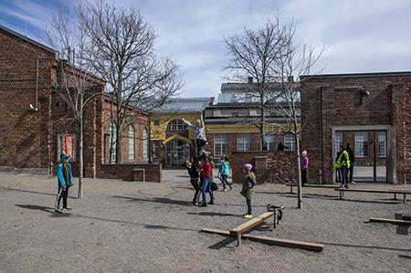 Katajanokan ala-asteen koulun piha