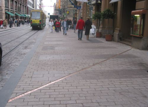 Tuula Närhinen: Gloets fossil, 2003. Du får inte använda foto i kommersiellt syfte. © Foto: Helsingfors konstmuseum
