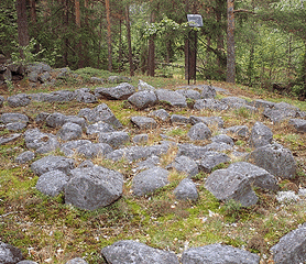Bronze-age grave in Helsinki. You may not use this photo for commercial purposes. © Photo: Helsinki Art Museum