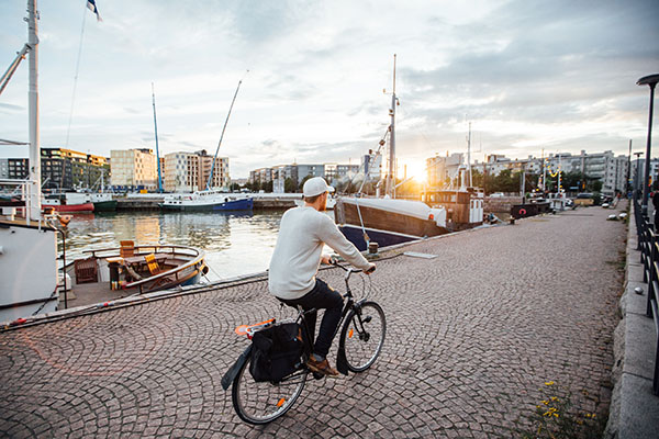 Cycling on a Jätkäsaari waterfront.