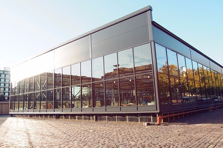 The construction of a temporary facility for the Hakaniemi Market Hall is well underway.